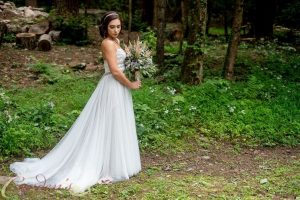 tall-timber-barn-wedding-95_51_1043253-1565021934